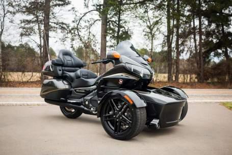 Honda-gl1800-roda-tiga